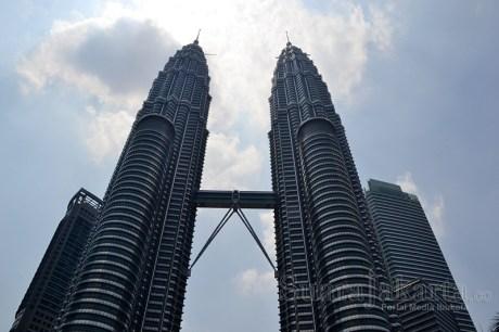 suara-jakarta-menara-kembar-twin-towers-petronas-kuala-lumpur-malaysia-travel