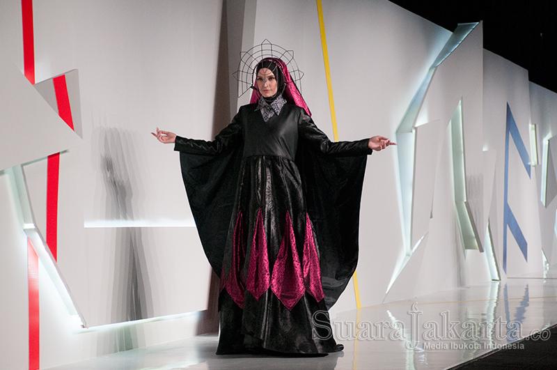 4-suara-jakarta-indonesia-fashion-week-2015-foto-by-fajrul-islam