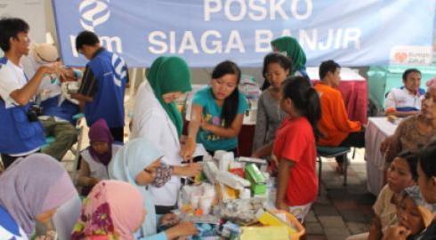 bantuan-donatur-rumah-zakat-jangkau-ribuan-korban-banjir4
