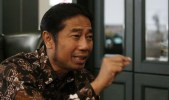 Wow! H. Lulung Naik Pesawat Ekonomi ke Pernikahan Anaknya Jokowi