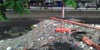 Sampah Tidak Diangkut, Pengurus RT/RW Kelurahan Serdang Protes