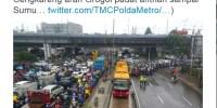Hujan Turun Sebentar, Traffic Light Cengkareng Banjir, Duh Ahok!