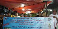 Sukseskan Asian Games 2018, PKL Pasar Poncol Kompak Mengecat Unit Kios Warna Oranye
