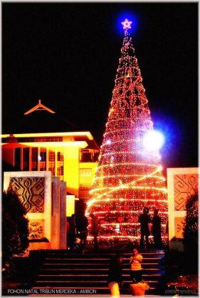 Pajangan Pohon Natal di Kantor Wali Kota Ambon