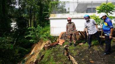 Photo of Azmin, Zuraida tinjau 40 mangsa tanah runtuh di Bukit Antarabangsa