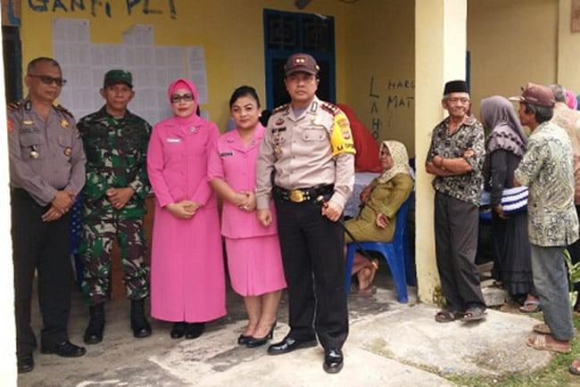 Kapolres dan Bhayangkari Muna Gelar Pengobatan Gartis di Tongkuno