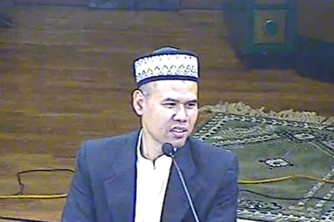 Selamat Jalan Murabbiku K.H. Maemoen Zubair, Opini Tony Rosyid