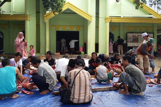 Keluarga Besar Menteng Raya 58 Distribusikan Hewan Qurban