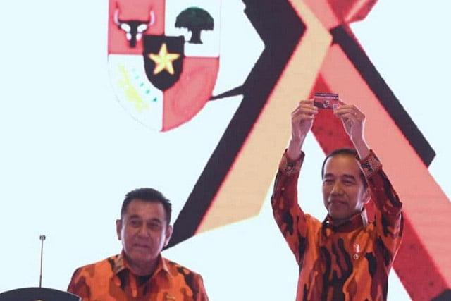 Jokowi Resmi Menjadi Anggota Kehormatan Pemuda Pancasila