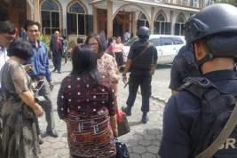 Brimob Polda Banten Gelar Patroli R2 di Gereja HKBP