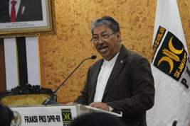 PKS Tagih Janji Pemerintah Hapus Klaster Ketenagakerjaan di Omnibus Law