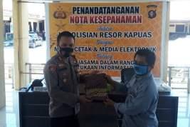 Polres Kapuas dan PWI Dukung Keterbukaan Informasi Publik