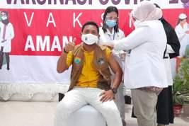 Ketua DPRD Seram Bagian Barat Divaksin: Tidak Ada Reaksi Apa Pun