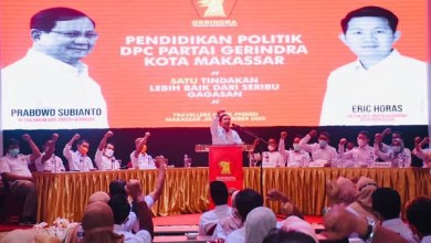 Photo of DPC Gerindra Makassar Gelar Pendidikan Politik Bagi Kader di Hotel Traveler