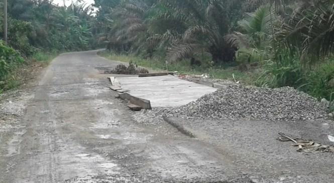 Akses Jalan Biaro-Bingin Teluk Mulai Dikerjakan