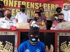 Polres Tanggamus Gelar Konferensi Pers Penangkapan Dua Pembunuhan Dede Saputra