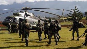 Aparat Kontak Senjata dengan KKB saat Evakuasi Korban