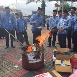 Antisipasi Penyalahgunaan, Wawali H Hermansyah Bakar 22.807 E-KTP Invalid