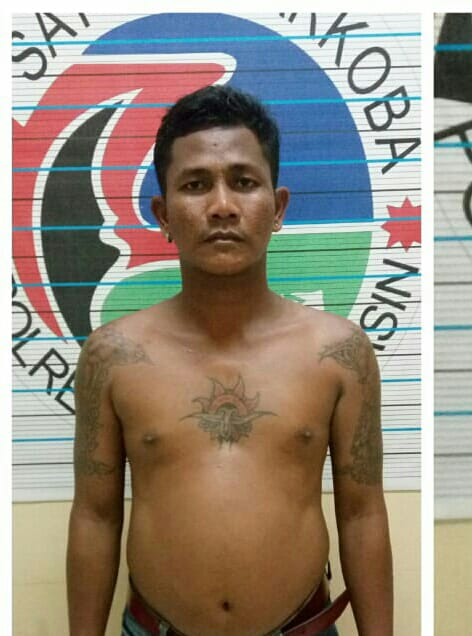 Buruh Bertato Ditangkap Polisi