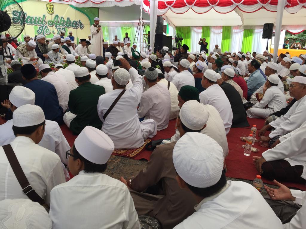 Puluhan Ribu Jamaah Padati Haul Akbar Habib Hamid Bahasyim Basirih ke 72