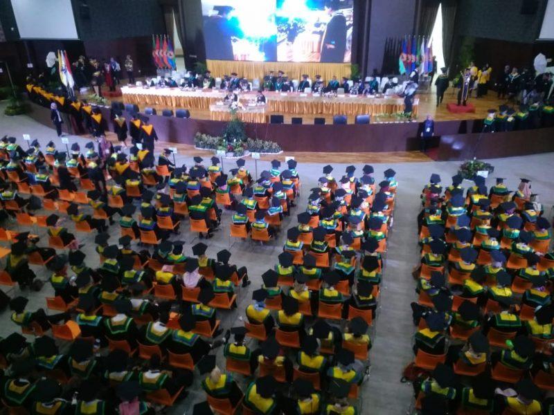 Ribuan Mahasiswa ULM Diwisuda, Inilah Harapan Rektor