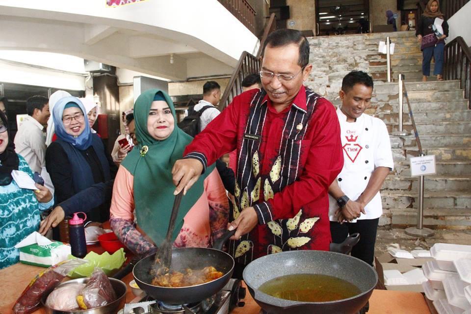 Wawali Buka Demo Masak Daging Beku