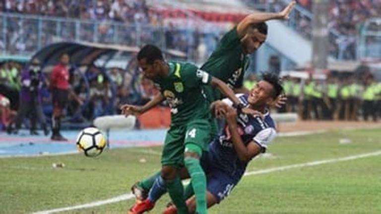 Arema Tahan Imbang Persebaya 2-2 di Final Piala Presiden
