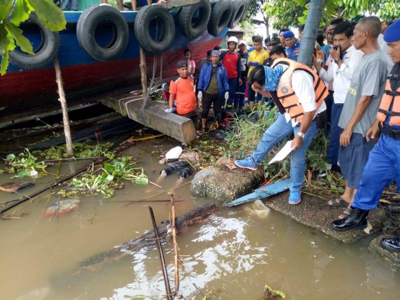 Geger Temuan Jasad Membusuk Mengapung Dekat Dok Kapal