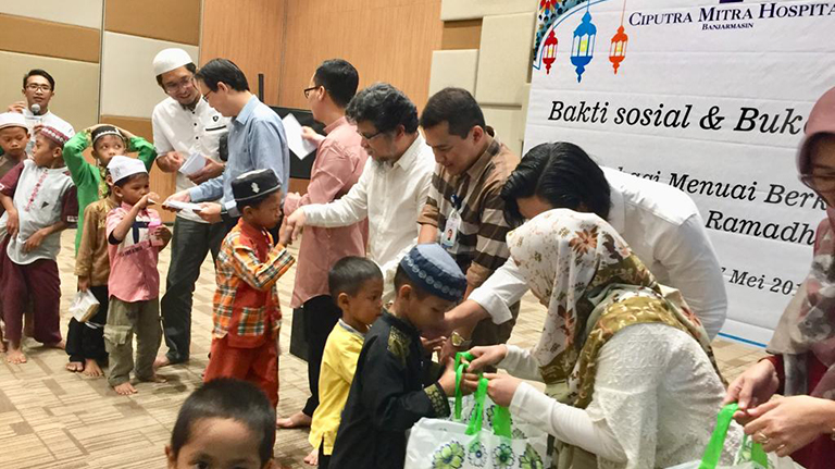 Ciputra Mitra Hospital Santuni Anak Yatim