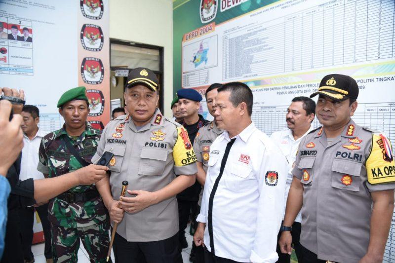 """Detik-detik Pleno KPU dan Pagi Ini TNI – Polri Gelar Pasukan """"PAM"""" Dipimpin Kapolda Kalsel"""