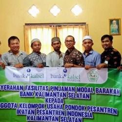 MODAL BARAKAH Disalurkan Bank Kalsel ke Kelompok Usaha Ponpes
