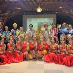 IBNU SINA Presentasikan Destinasi Wisata Banjarmasin di Pulau Dewata