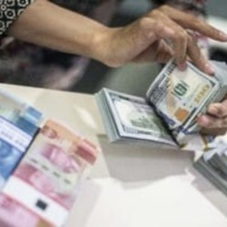 PASAR Global Panik, Rupiah Tembus Rp16.038/Dolar AS