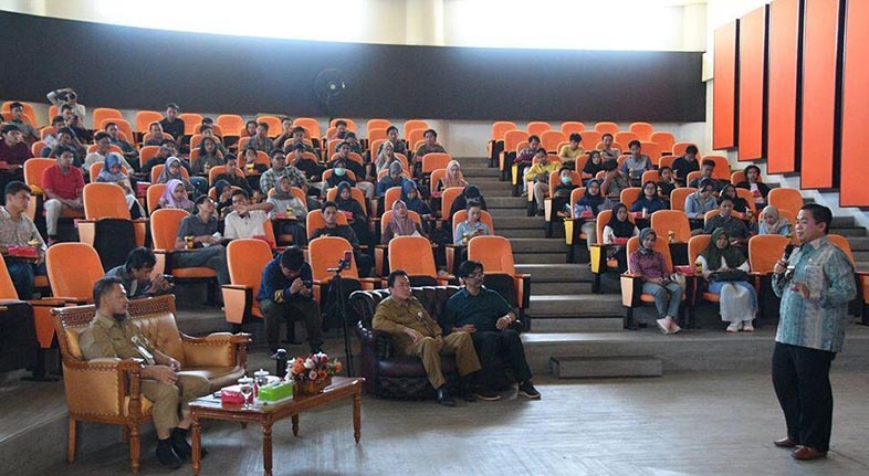 FISIP ULM, Kampus Pertama LAPOR Baiman Show Goes To Campus & School