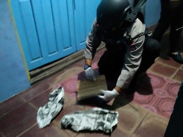 BREAKING NEWS Kotak Mencurigakan Diletakkan Wanita Bercadar dan Dievakuasi Brimob