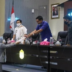 DEWAN akan Membahasnya, Walikota Sampaikan Pengantar Raperda PPAPBD
