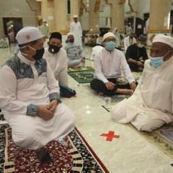 SHALAT JUMAT di Masjid Al Muttaqin, Walikota Bersama-sama Berdoa Wabah Cepat Berakhir
