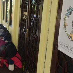 MASJID AL MUHAJIRIN Izinkan Anak-anak Sekolah Gunakan WiFi-nya untuk Belajar Online