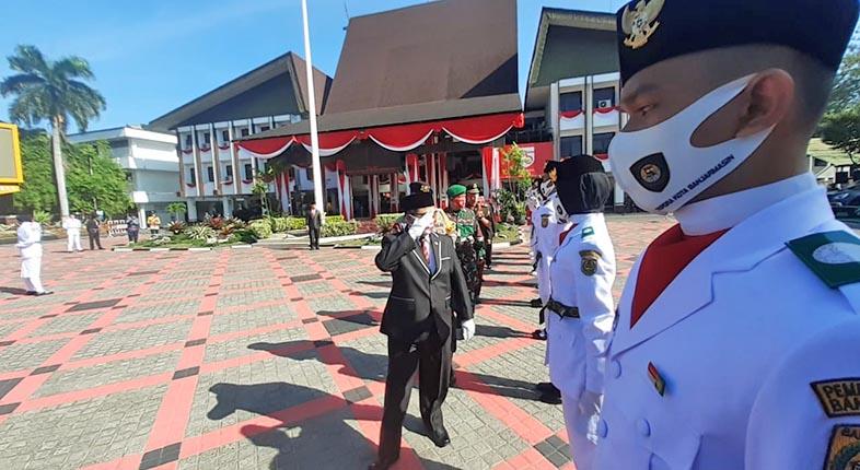 GLADI BERSIH SEDERHANA Peringatan HUT Kemerdekaan RI di Balai Kota Banjarmasin