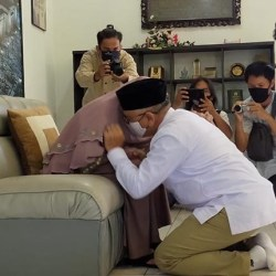 SUNGKEM IBU Haris Makie-Ilham Nor Sebelum Mendaftar