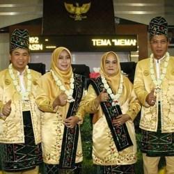 WALIKOTA BANGGA Menhub Pimpin Apel Harhubnas Gunakan Pakaian Adat Banjar