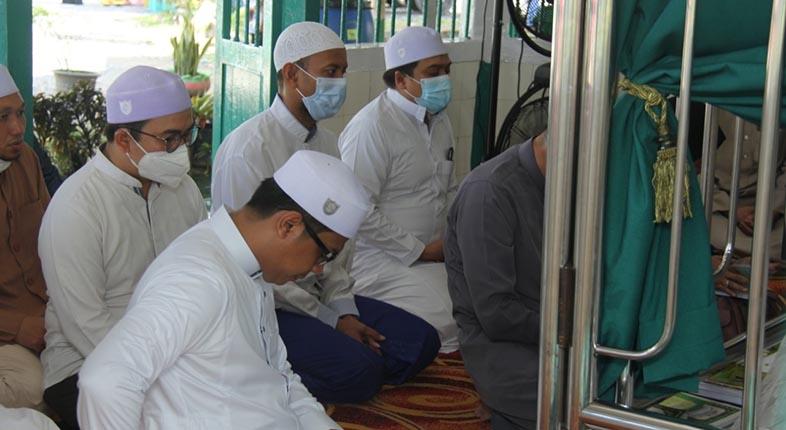TANDA Cinta Ulama, Ustadz Mushaffa Zakir Ziarah ke Sejumlah Makam Aulia Allah