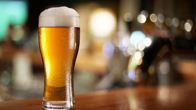 PEMINUM Minuman Beralkohol Dibui 2 Tahun atau Denda Rp50 Juta, Termuat dalam Draft RUU