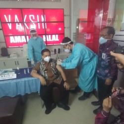 ORANG PERTAMA di Banjarmasin Disuntik Vaksin, Ibnu Mengaku Tak Khawatir Efek Samping