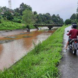 DITUTUP Saluran Irigasi Kurangi Debit Air di Martapura Timur dan Barat