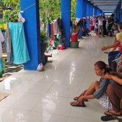 WARGA KORBAN Banjir di Terminal KM 6 Mulai Diserang Penyakit, Layanan Kesehatan Cuma 2 Jam