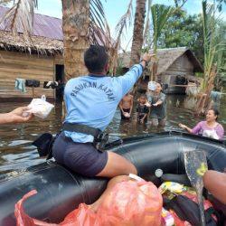 SATGAS SAR Gabungan Pangkalan TNI AL Menyasar ke Daerah Terisolir di Batola
