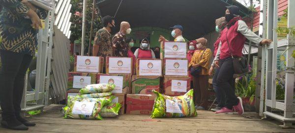 KEPEDULIAN DWP BNN RI Didistribuskan BNNP Kalsel ke Korban Banjir