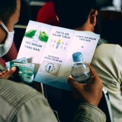 KONSUMSI AIR MINERAL Dapat Jaga Imun Tubuh, Selain Vaksin