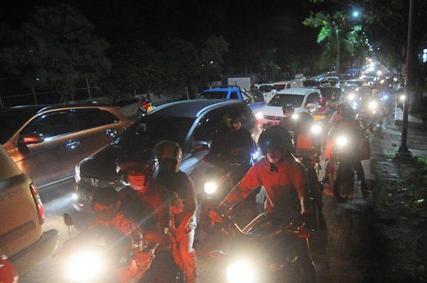 DITUTUP Lubang Penyebab Kemacetan di Jalan Trans Kalimantan Handil Bakti